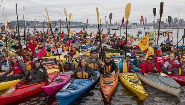greenpeace-kayak-shellno_crop1434480269222.jpg_1718483346